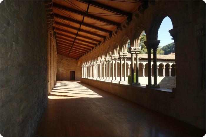 cloister2
